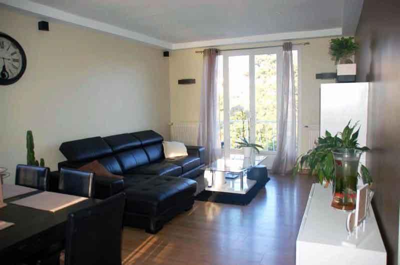 salon-apres-renovation-appartement