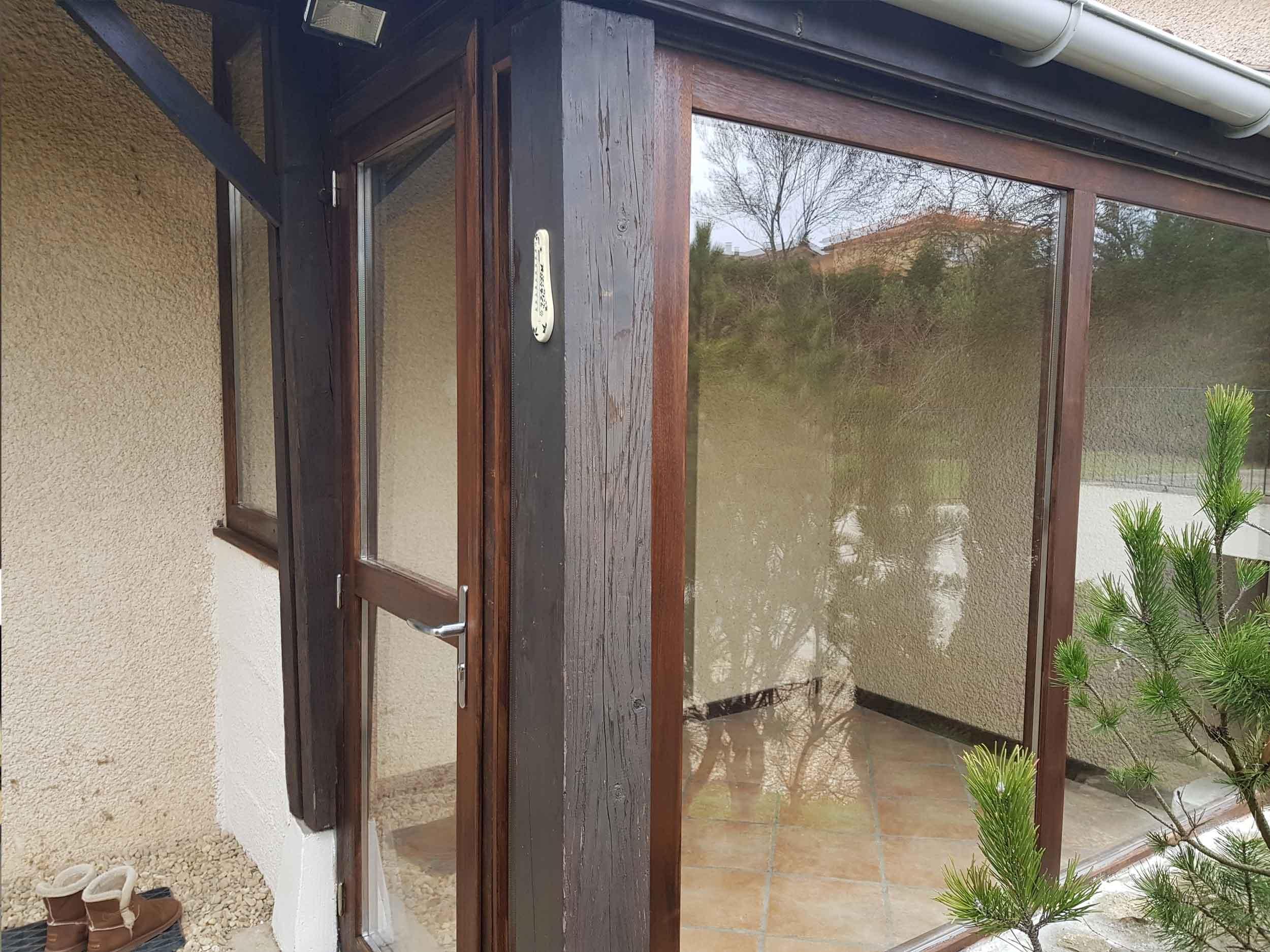 Rénovation véranda bois dans une maison à Villefranche
